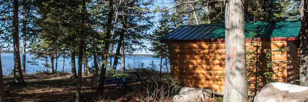 Small lakefront cabins.
